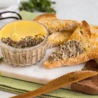 Easy garlic mushroom pâté