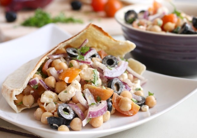 Greek chickpea salad