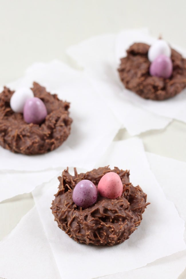 Chocolate Easter nests - only 3 ingredients! These are great for getting kids into the kitchen at Easter! / amuse-your-bouche.com
