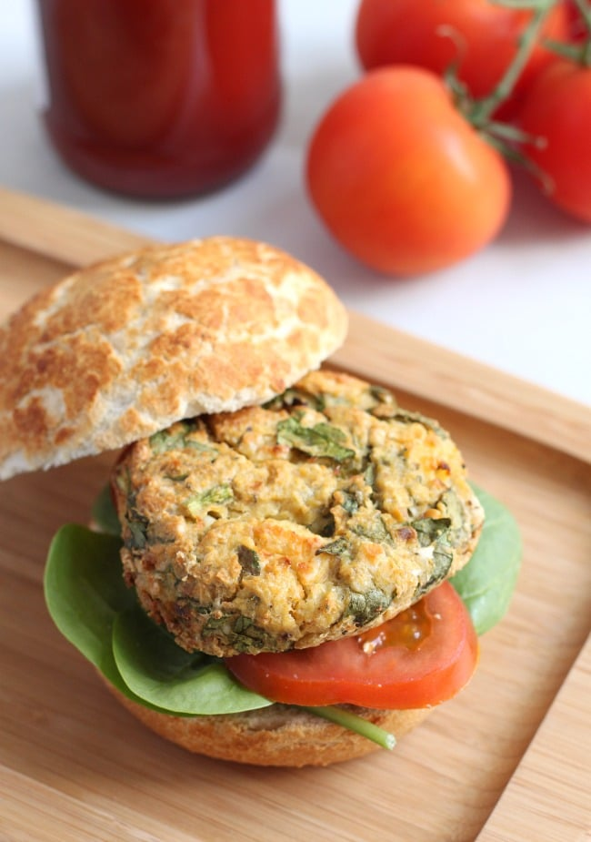 Spinach and feta chickpea burgers - really quick and easy to make, and ...