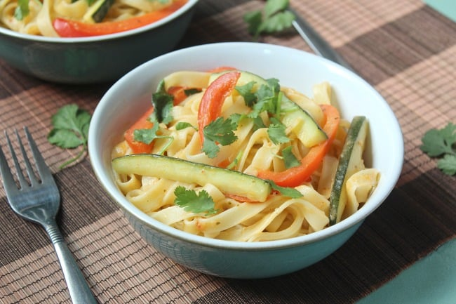 Thai curry linguine - a ridiculously tasty pasta dish in just 15 minutes!