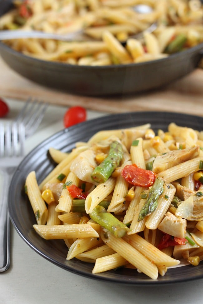 Veggie pasta with artichokes and asparagus. If you know anyone that thinks veggies have no flavour - THIS is the recipe to make for them!!