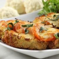 Low-carb cauliflower pizza