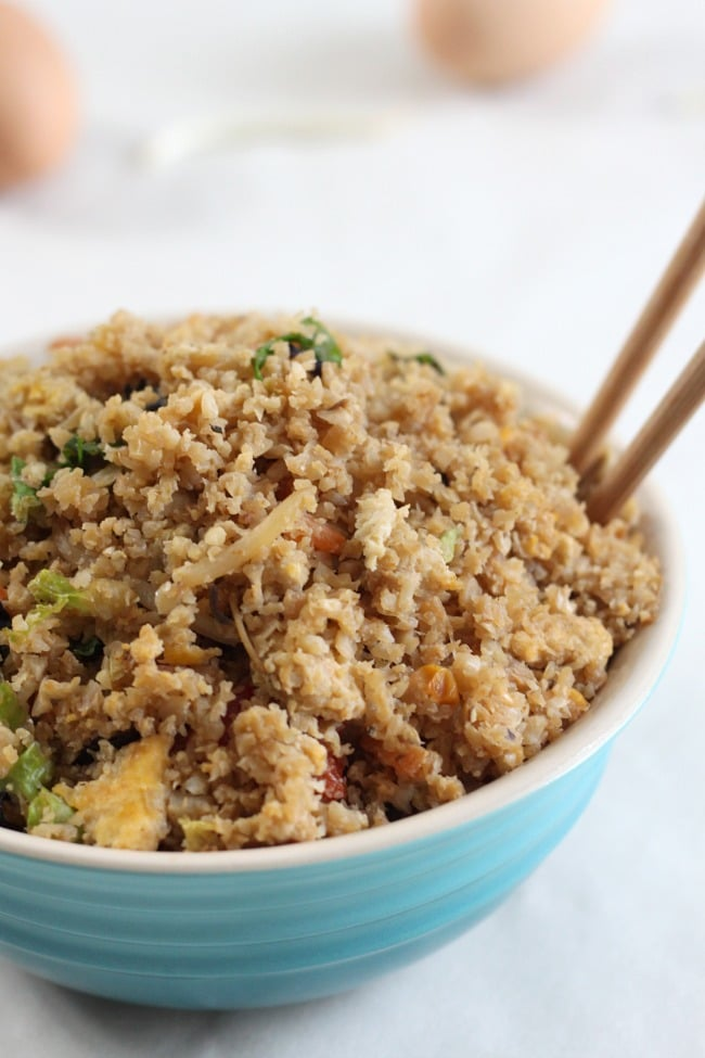 Low-carb cauliflower fried rice - this is a way healthier and lower calorie version of my favourite Chinese side dish!