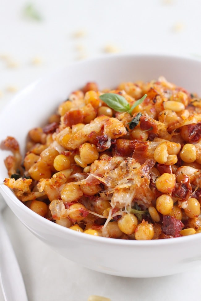 Pizza roasted chickpeas - the flavours in this dish are incredible! Just like pizza!