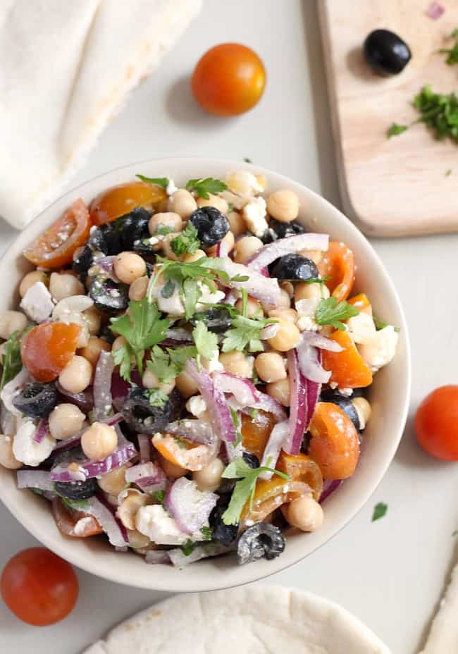 For a really quick Greek-style lunch, try my Greek chickpea salad :