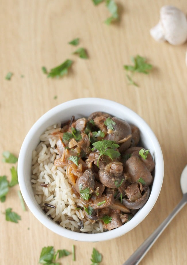 Crock pot mushroom stroganoff - only 5 minutes of effort to create a wonderful vegetarian dinner!