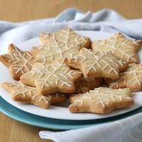 Lemon almond shortbread snowflakes