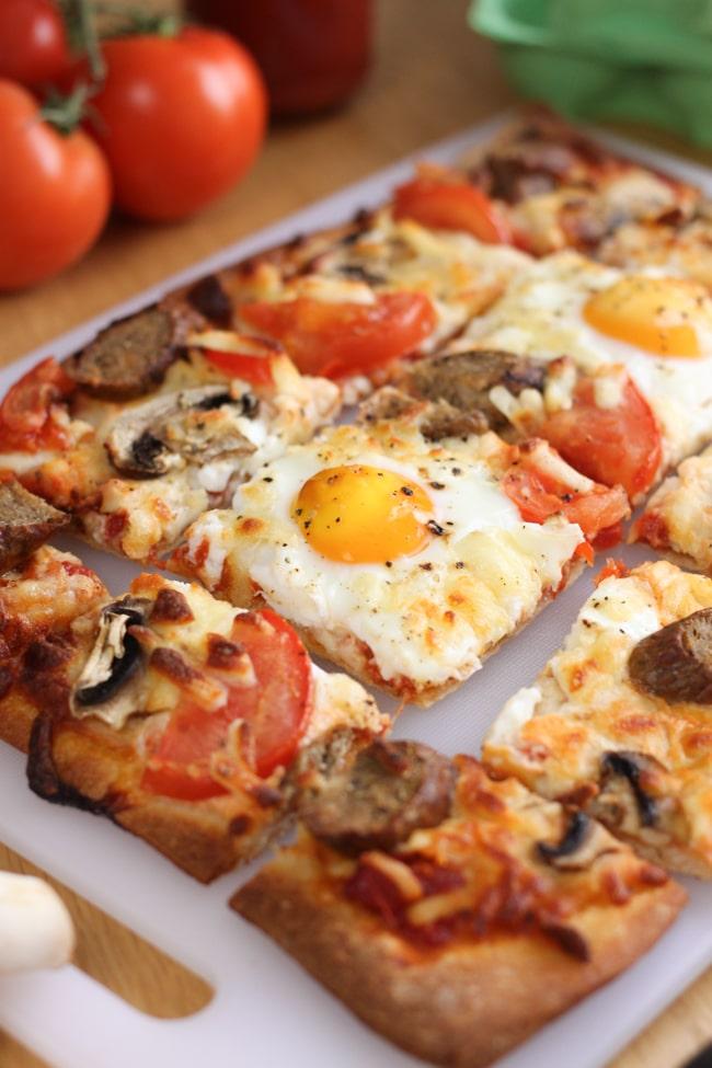 Breakfast pizza