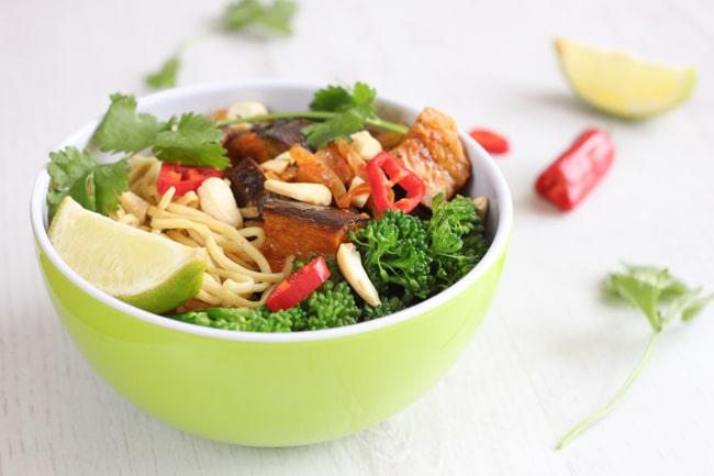 Aubergine red Thai curry bowls