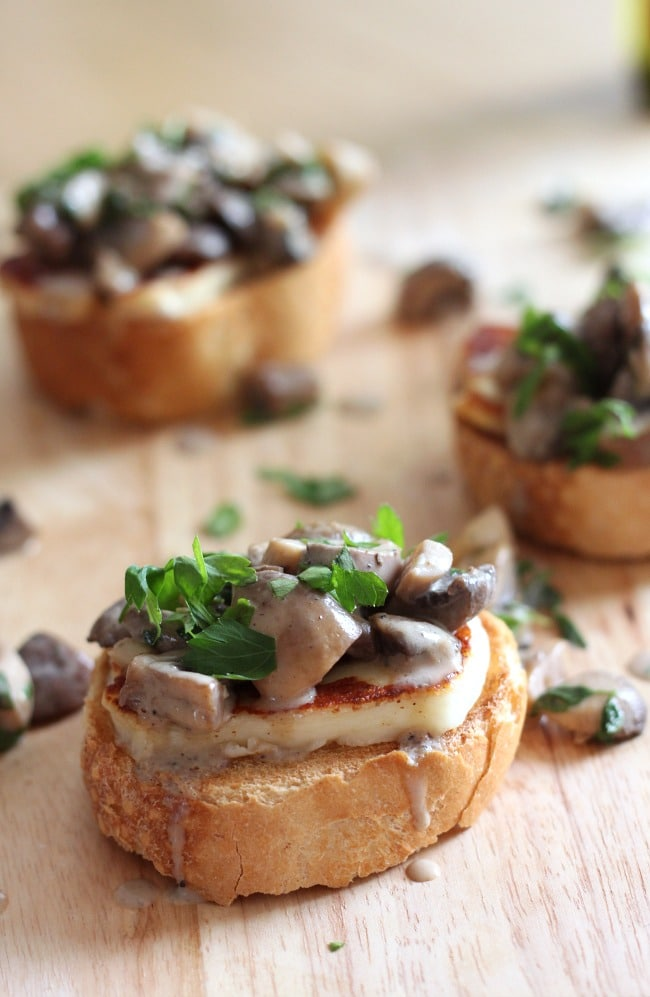 White wine mushroom bruschetta with halloumi