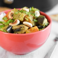 Easy Sri Lankan curry with toasted cashews