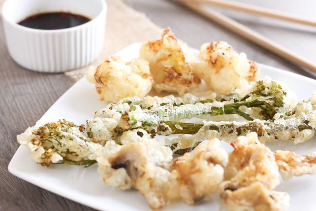 Vegetable tempura - one of my favourite Japanese dishes. The batter is so light and crispy! Use whatever veg you like - I used mushrooms, cauliflower and tenderstem.