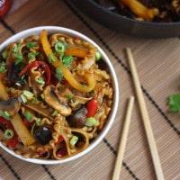 Hoi sin veggie noodles