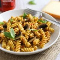 Spicy Peppadew pesto pasta
