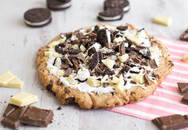 Cookies And Cream Dessert Pizza Amuse Your Bouche