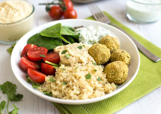 Homemade falafel quinoa bowls-3