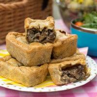 Mini mushroom picnic pies
