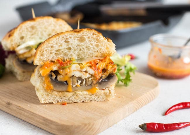 Halloumi and portobello burgers with homemade peri peri sauce - OMG. I am so impressed with myself, this was amazing! The peri peri sauce is so easy to make, and the burgers are salty, chewy, juicy, spicy... and vegetarian! :)
