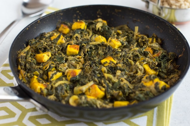 30 minute saag paneer - a creamy, spicy vegetarian spinach and cheese curry in less than half an hour!