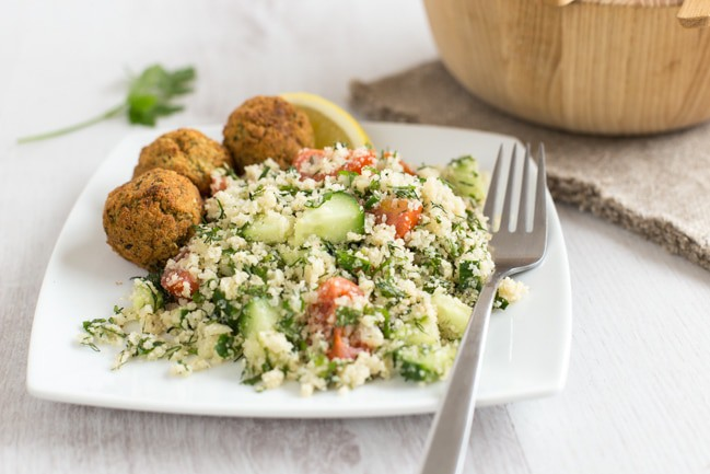 Low-carb cauliflower tabbouleh