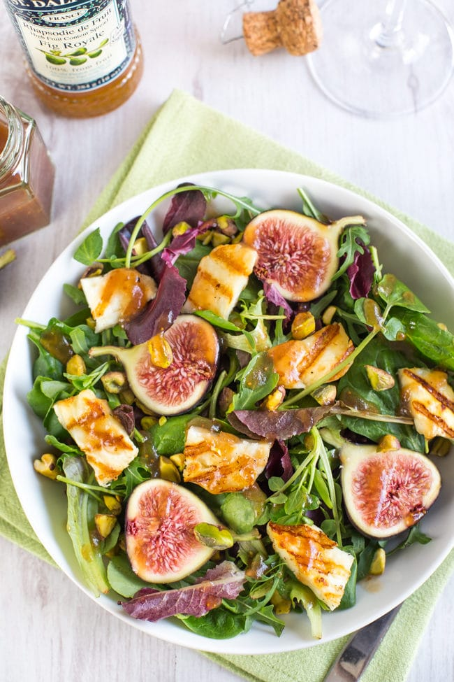 Fig and halloumi salad with balsamic fig dressing - only 4 main ingredients, plus that heavenly dressing! Such a quick and easy vegetarian salad that has tons of beautiful flavours and textures.