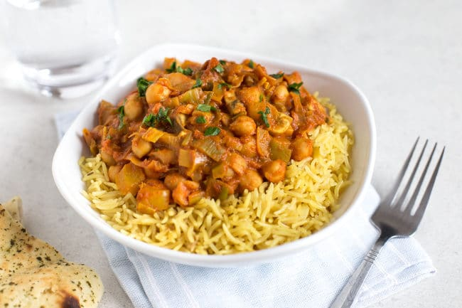 15 minute creamy chickpea curry