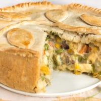Creamy vegetable and halloumi pie