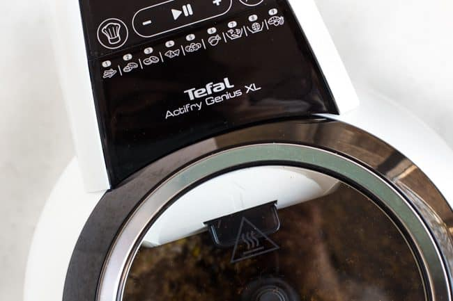 Close-up of the Tefal Actifry Genius XL