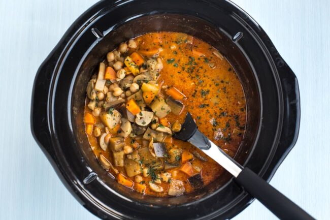 Coconut chickpea curry in a slow cooker pot.